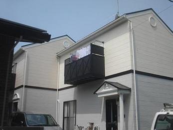 屋根の塗装だけでなく棟の部分も早めの処置をしてもらってよかったです。