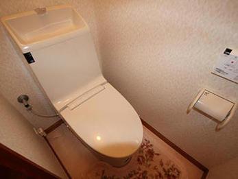 暖房便座、シャワートイレに変わったので良かったです。