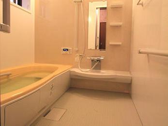 広い浴槽になり、のびのびと入浴できるようになりました。
