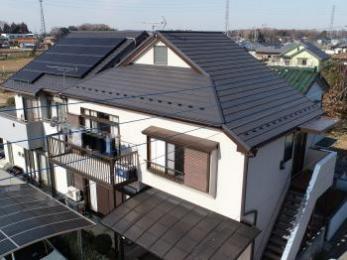 ドローンカメラで屋根全体を調査