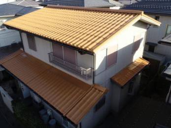 屋根塗装で耐久性をアップ。美観を保ち、遮熱効果も期待できます。