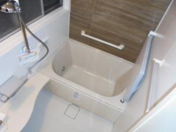 タイル張りの浴室からユニットバスへリフォーム